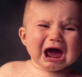 bebe-chorarbebe-triste